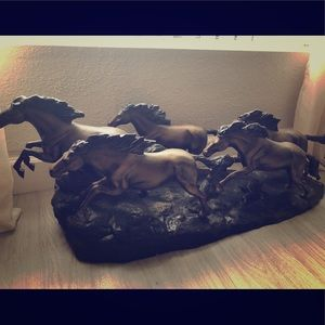 Accessory Beautiful bronze horses